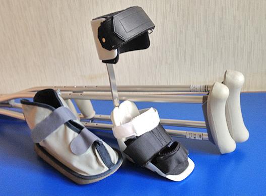 装具・松葉杖・ブーツ