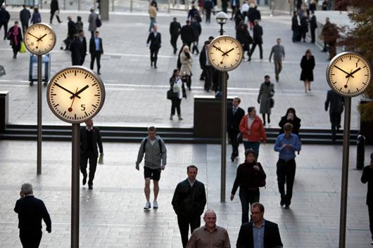 歩いて行ける場所は時間を作って脚を使う。